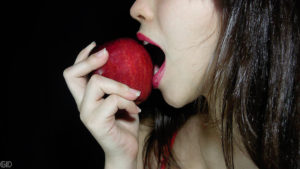 9998-a-beautiful-woman-eating-an-apple-pv